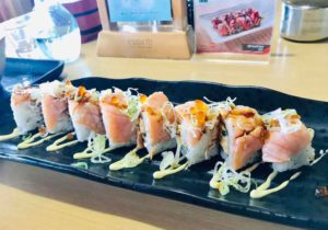 bali_sushitei-beachwalk_salmonroll