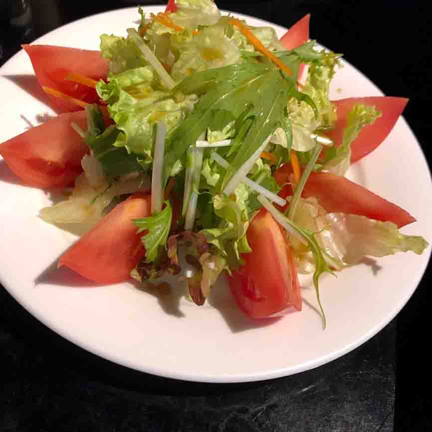 tokyo_asakusa_sakenodaimasu_tomato-salad